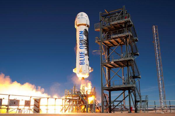 谁将第一个开启太空私人旅行?是维珍的布兰森爵士,还是亚马逊的贝佐斯?