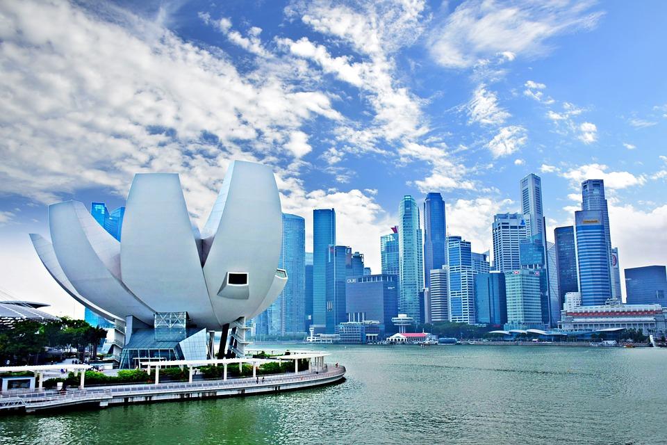 十一黄金周是中国的,也是新加坡的:各大商铺纷纷打折,吸引中国游客