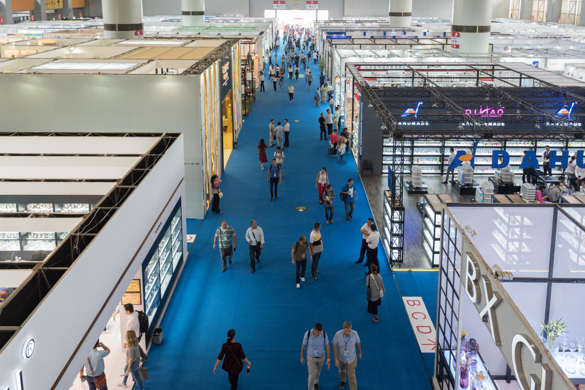 成本上涨竞争激烈,中国纺织品企业广交会遇冷,出口额六年来首降