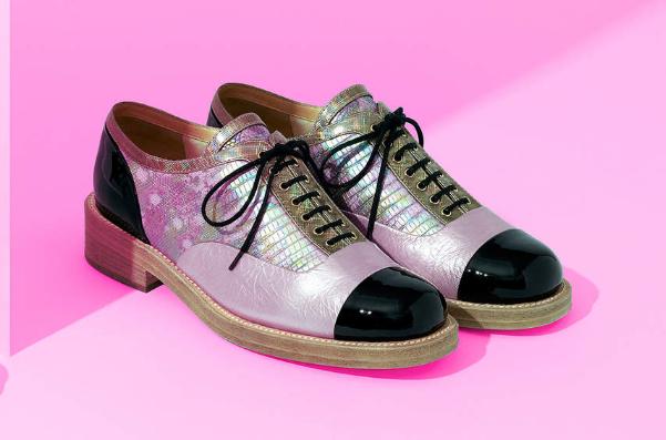 Chanel 首次推出独立的鞋履专卖店,依然由Peter Marino操刀设计