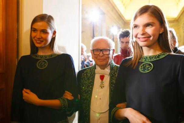 94岁的传奇设计大师皮尔卡丹从业 70周年庆时装秀:我还不打算退休