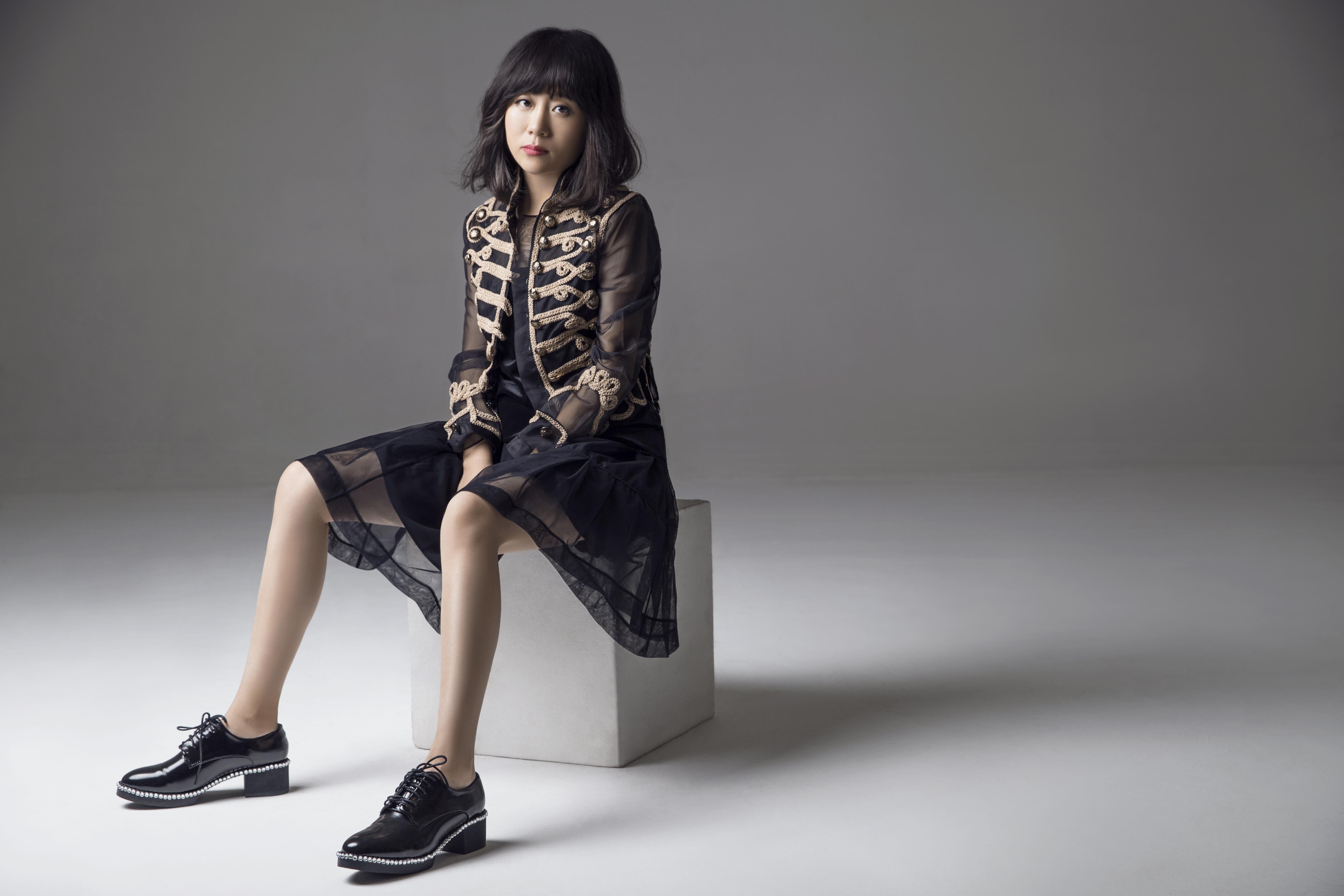 从10万元起家到销售近亿《华丽志》独家专访设计师李薇:品牌Awaylee创始人