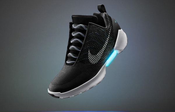 智能、3D、自系带:Nike, Adidas, Under Armour相继发售高科技新款运动鞋