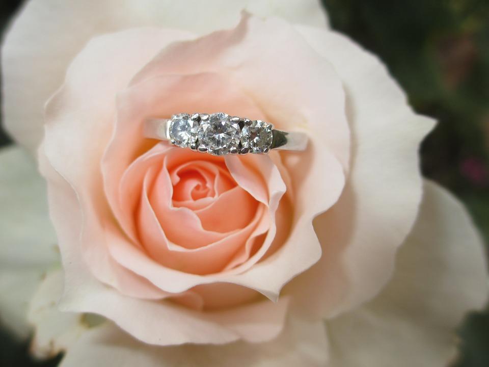 ring-1665611_960_720