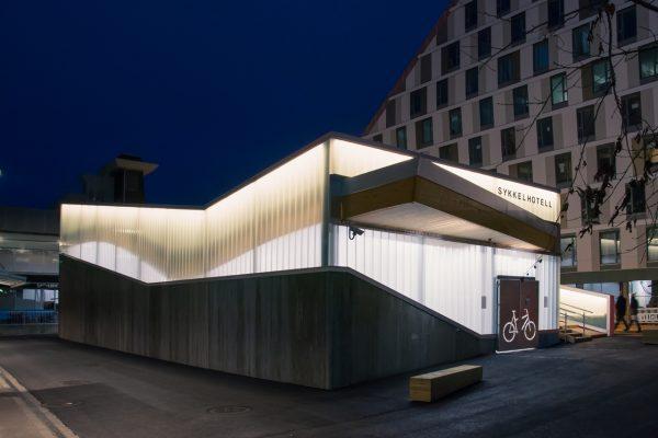 """告别简陋的停车棚,挪威人给自行车盖了一座漂亮的""""酒店"""""""