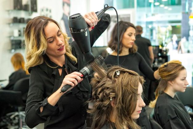 私募基金 LDC 1600万英镑收购英国美发沙龙公司 Rush Hair 少数股权