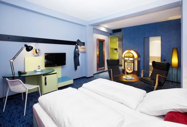 526_2_25hours_Hotel_Frankfurt_by_Levis-XL-Room-2-w105