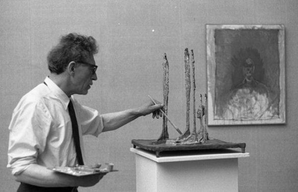 90岁的Givenchy品牌创始人将拍卖珍藏的瑞士艺术家 Giacometti 兄弟作品