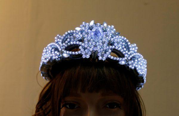 东京国际珠宝展三个受瞩目商品:LED王冠、摄像订婚戒盒、宝石粉末沙漏