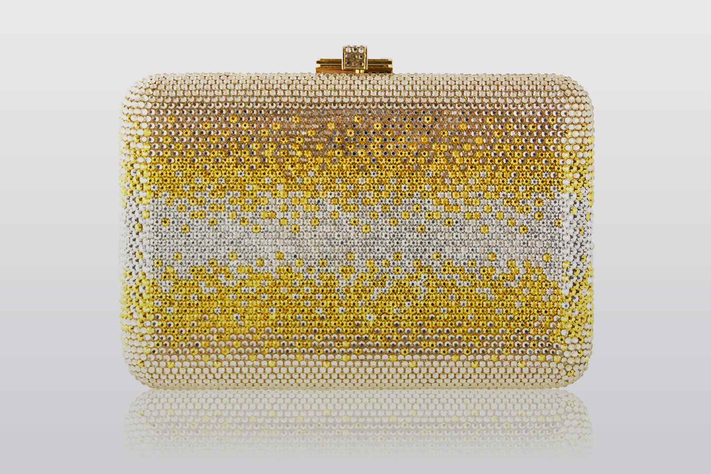 Tommy Hilfiger的夫人投资奢侈晚装包品牌 Judith Leiber,出任创意总监