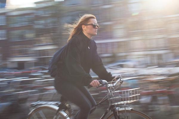 """2017是巴黎的""""自行车年"""":未来四年让自行车数量翻番"""