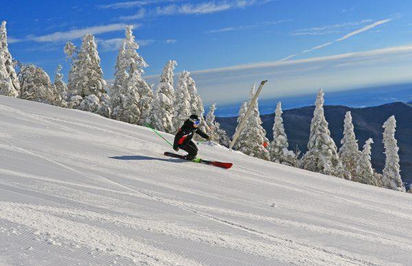 美国滑雪度假村运营商 Vail斥资5000万美元,收购滑雪度假村Stowe Mountain部分设施