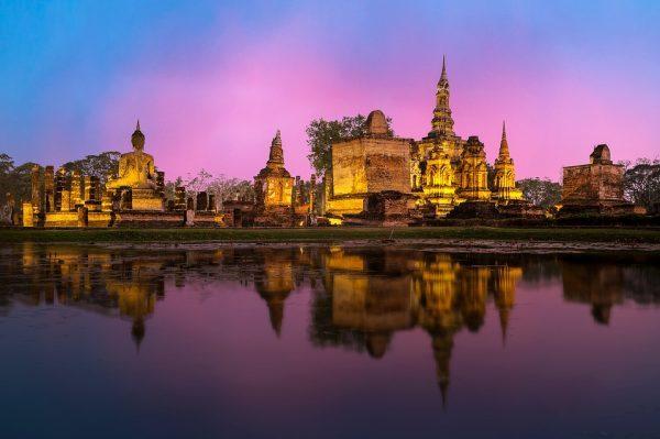 2016年泰国旅游收入超过预期,今年增速有望超过 10%