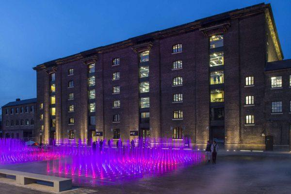 LVMH 集团继续投资伦敦中央圣马丁学院,培养专注于可持续时尚的未来人才