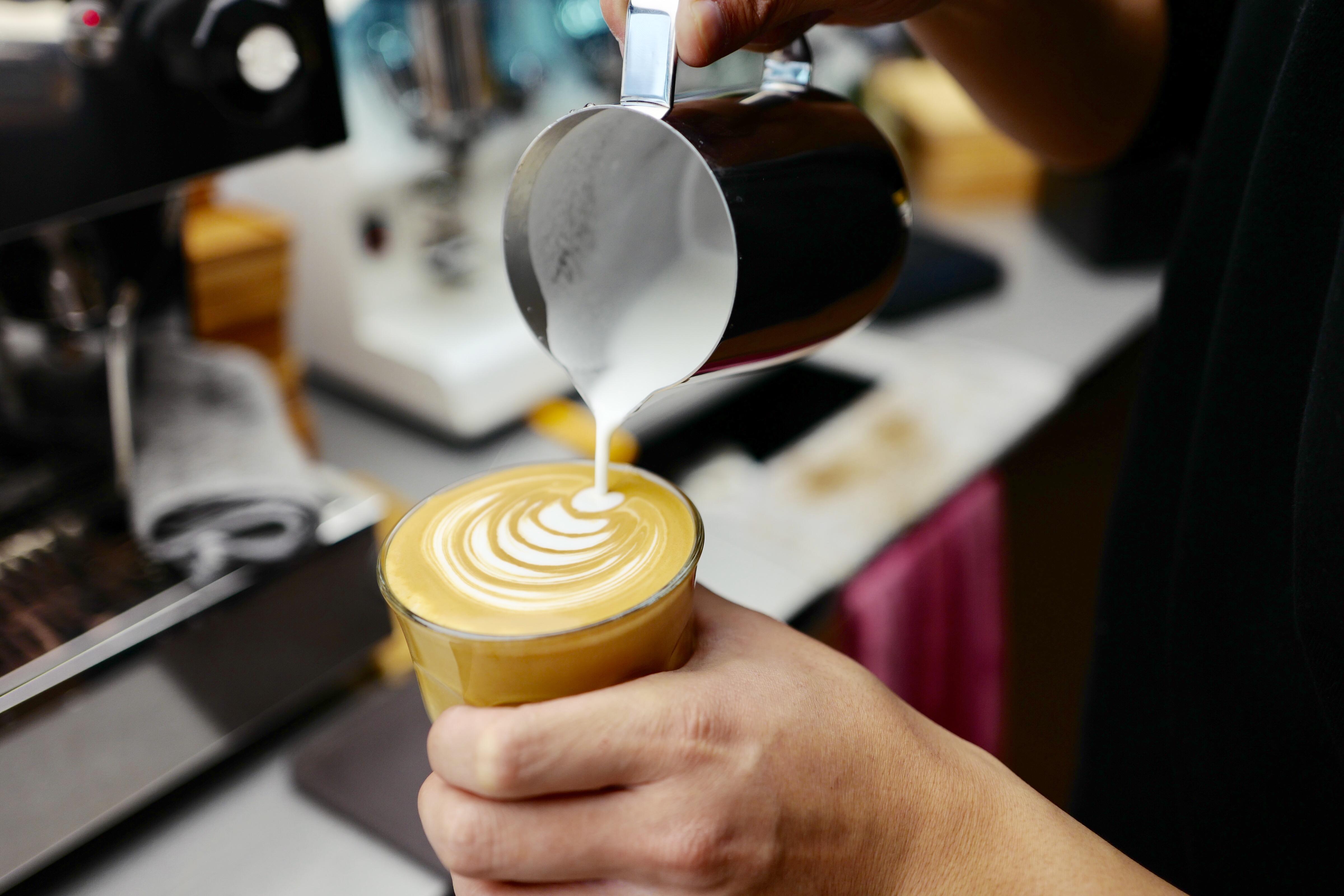 从1314元一盒的玫瑰,到108元一杯的精品咖啡,蒲易要打造第二个奢侈品牌!《华丽志》独家专访