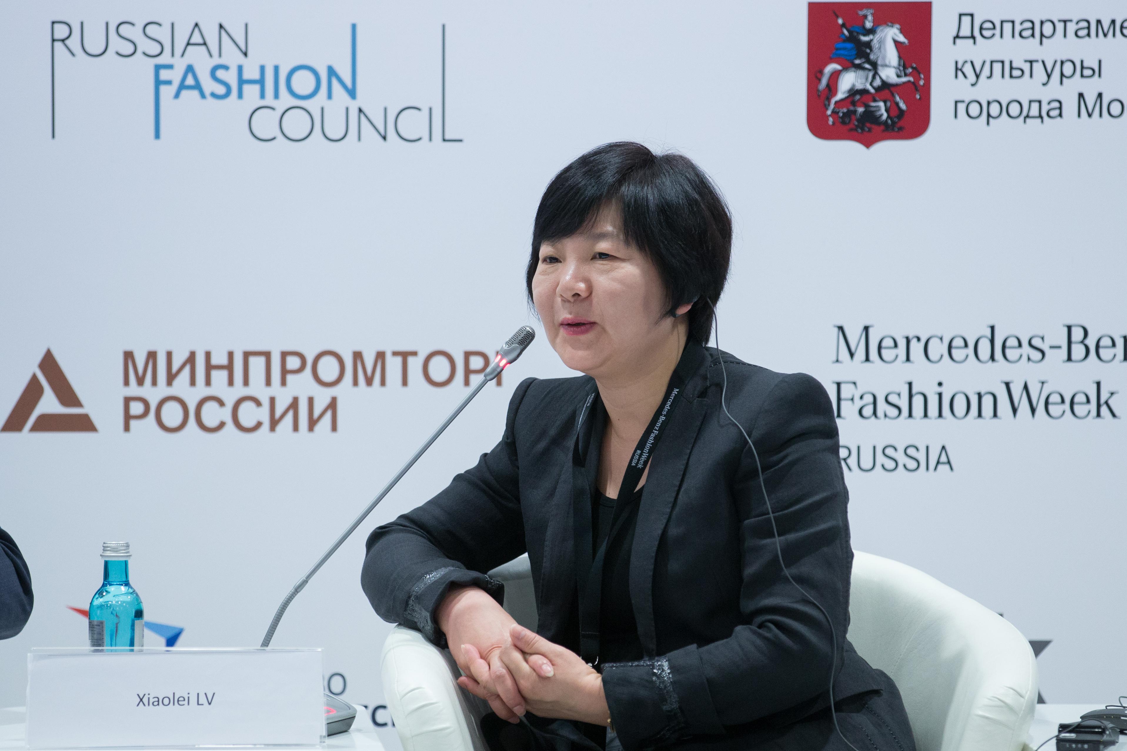 时装周的未来会怎样?上海时装周组委会副秘书长吕晓磊对谈法国高级时装公会主席