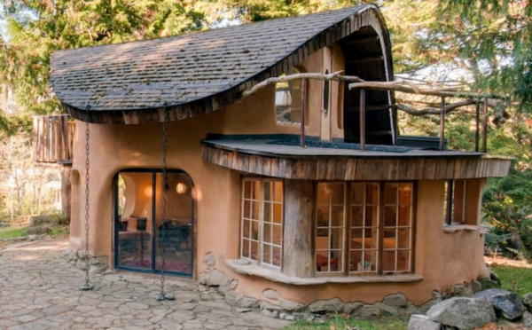 Airbnb 完成 F轮融资10亿美元,估值升至310亿美元,逼近万豪集团