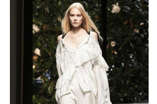 玛丝菲尔旗下的意大利成衣老牌 Krizia 重新开放位于米兰的传奇文化中心