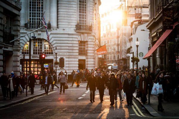 伦敦著名商业区牛津街 21.1%的商店为香港投资者所有