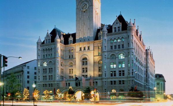 华盛顿的特朗普国际酒店生意兴隆,是否存在利益冲突引起非议