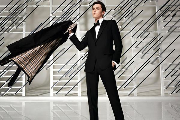 1.17亿美元!山东如意从香港YGM手中收购英国风衣品牌Aquascutum