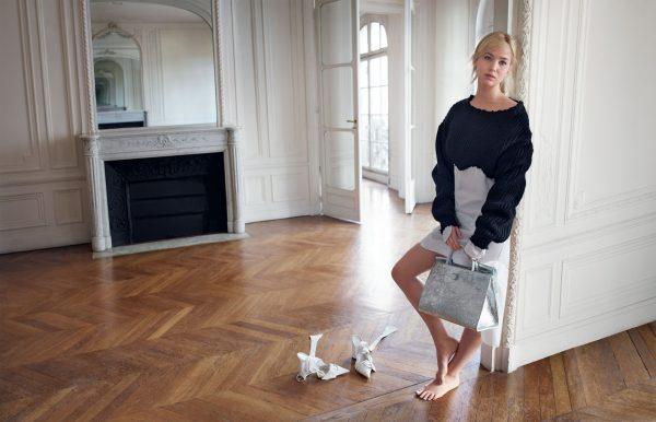 简化股权结构,LVMH将以65亿欧元收购其控股方Dior集团旗下的Dior高级时装业务