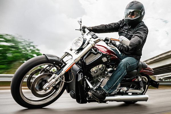 Harley-Davidson 哈雷摩托需求下滑,转移工厂大裁员