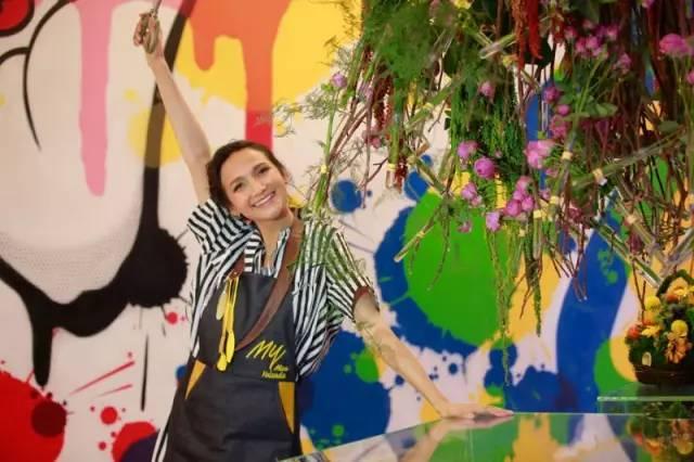 超模黄超燕创办自然花卉空间设计品牌 Miss Yolanda,为奔驰打造创意立体花园