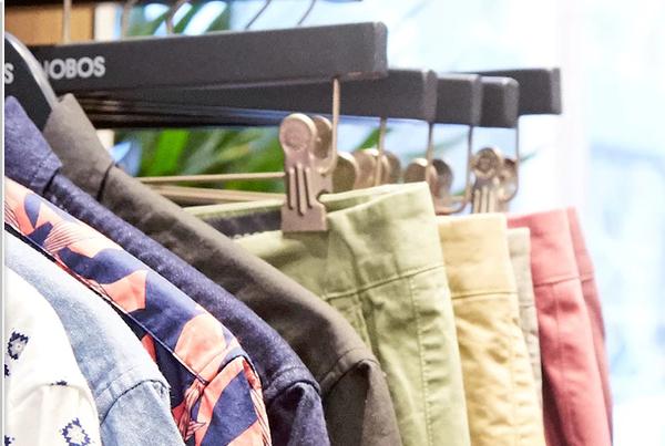 """互联网男装品牌 Bonobos 创始人靠""""卖裤子""""改变了男人买衣服的方式"""