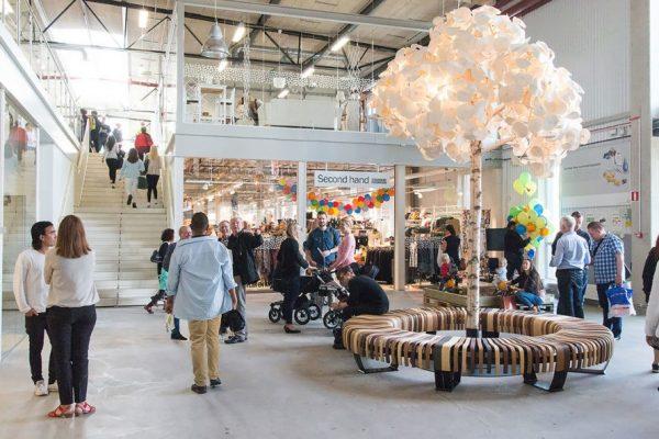 """只出售老旧回收物!瑞典开设全球第一家""""不卖新东西""""的购物中心"""