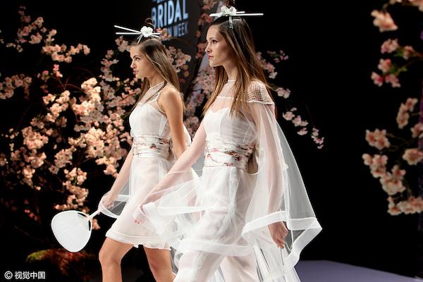 千禧一代迎来结婚潮,巴塞罗那婚纱时装周开幕在即