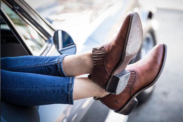 美国品牌管理公司 Authentic Brands 收购香港利标旗下鞋履品牌 Frye 51%的股权