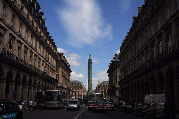 把巴黎的旺多姆广场搬到中东!卡塔尔新建巨型奢侈品购物中心
