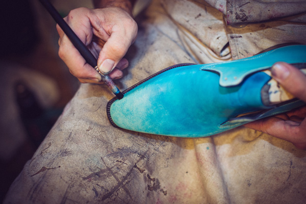男人们为何愿为这些皮鞋付出数万元的代价?《华丽志》独家调研:欧洲高定男鞋的制胜法宝