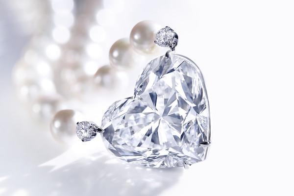 佳士得1499万美元拍出史上最贵心形切割钻石