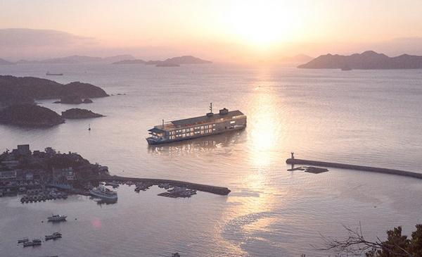 一晚 1.8万人民币,日本推出海上漂浮奢侈游轮酒店 Guntu