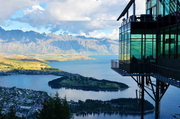 新西兰政府大幅下调对未来六年中国游客数量与消费额的预期
