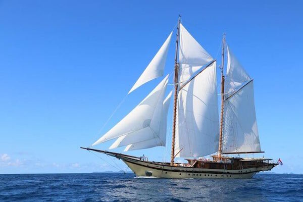 亚洲奢华航海新体验:9万美元租一艘印尼传统帆船 phinisis 畅游一周