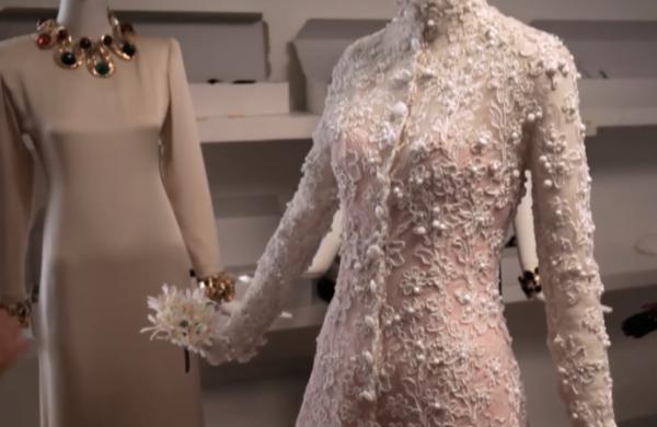 法国时装设计大师 Hubert de Givenchy 作品回顾展在法国加来举行