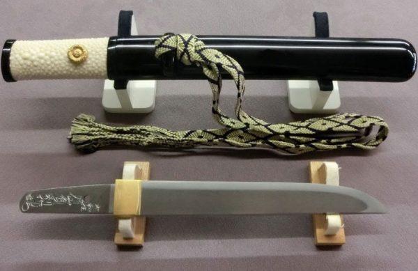 有800年历史的日本刀剑锻造家族举办作品展