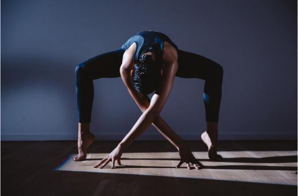 做自己的瑜伽私教!智能瑜伽裤 Nadi X 正式面世,智能冥想文胸研发中