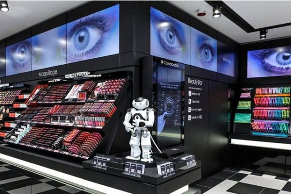 电商冲击下,美妆实体店为何越来越旺? 需从这三大角度深入分析