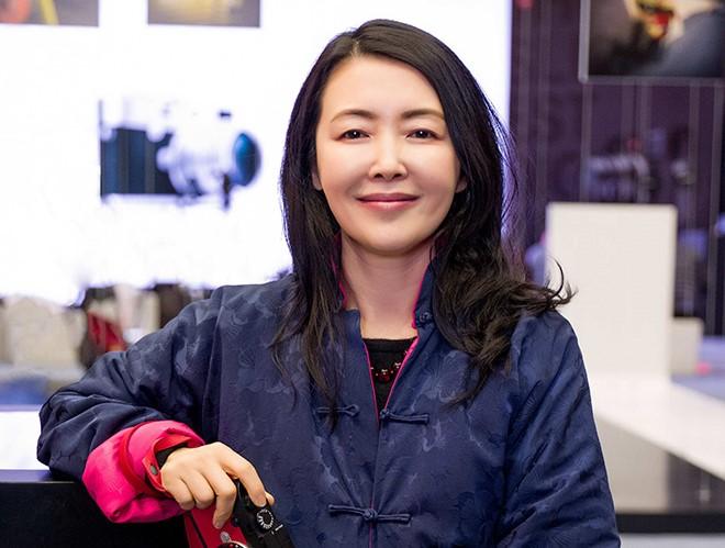 徕卡相机亚洲区总裁崔玲嘉:胶片拍摄需求已经回升,智能手机无法取代相机