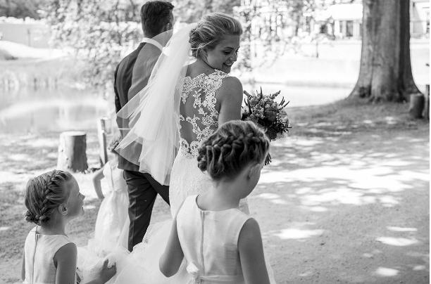 西班牙高端婚纱品牌 Pronovias 寻求整体出售,四大私募基金角逐