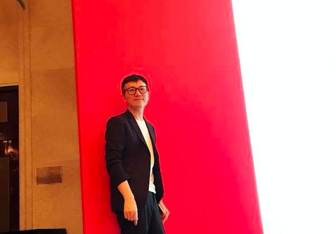 """《华丽志》对谈""""栩栩华生""""创始人、CEO冯楚轩:头部内容更适合印刷物,要做全球前10%的纸媒!"""