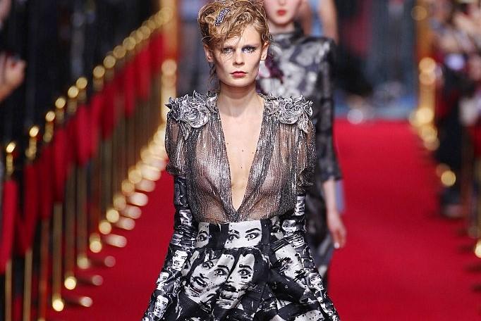 Marc Jacobs 辟谣:9月纽约时装周的走秀仍照常进行,只是提前一天