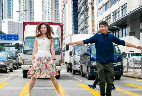 香港利丰集团改革供应链初见成效,将与时尚大亨曹其峰旗下公司组建首个合资企业