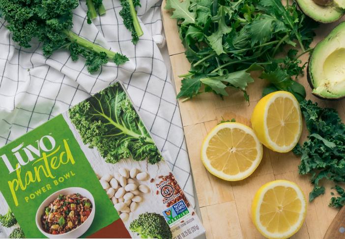 《华丽志》独家专访 Christine Day:从星巴克核心高管、Lululemon CEO 到健康食品创业者和投资人