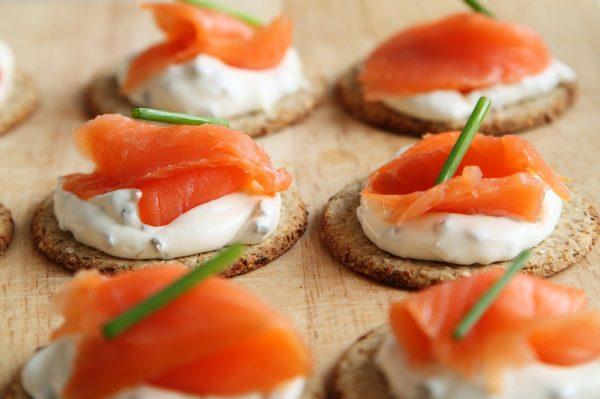 """未来你吃的""""鱼""""将不再从海里打捞,而是产自实验室!Finless Foods人造海鲜研发取得新进展"""