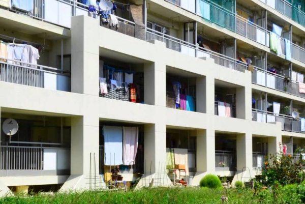 软银旗下的美国投资公司 FIG 240亿日元收购日本1300幢空置公共住宅楼